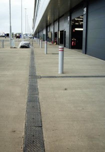 Fully installed FASERFIX SERVICE CHANNELS outside team garages